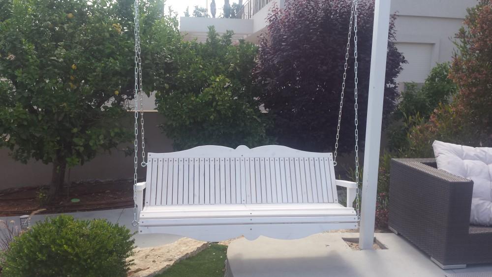 נדנדה למרפסת